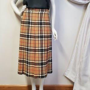 Vtg PITLOCHRY Scotland Wool Pleated Plaid Skirt